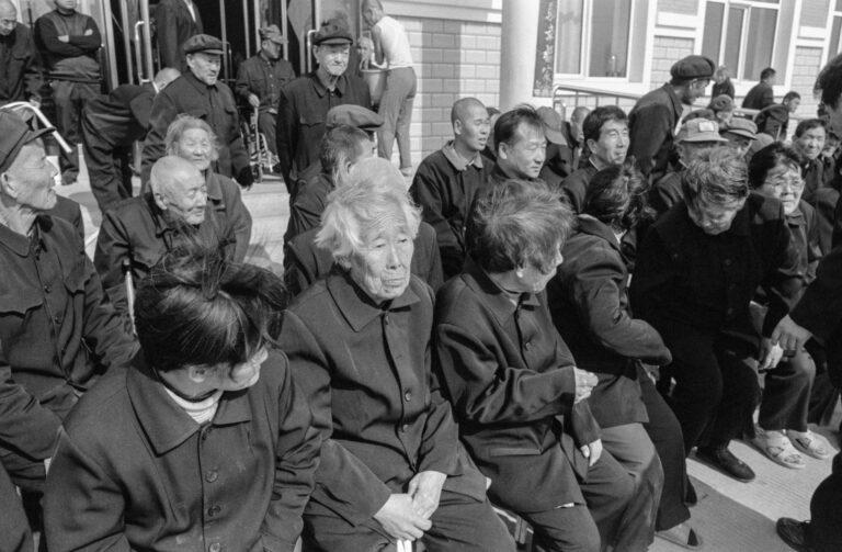 10 lee su-dan in a nursing home in dongnin 2005-010